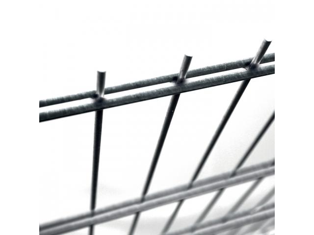 Svařovaný panel PILOFOR® SUPER svařen z galvanicky pozinkovaných drátů